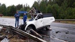 Легковушка вылетела под грузовик вАрхангельской области— трое погибших
