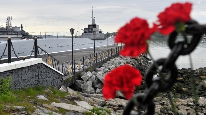 Путин посмертно наградил погибших вБаренцевом море подводников