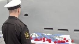 Семьи погибших подводников получат помиллиону рублей отПетербурга