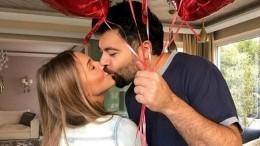 Звездный поцелуй: Как проявляют любовь знаменитые российские пары