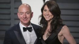 Самый богатый холостяк: Основатель Amazon официально развелся сженой