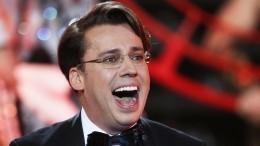 «Работать качественно»: Галкин отреагировал наинформацию огонорарах юмористов