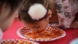 Ребенка заставили съесть котлету спола вдетсаду Свердловской области