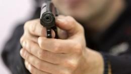 Видео: вПетербурге посетитель пекарни выстрелил всотрудницу