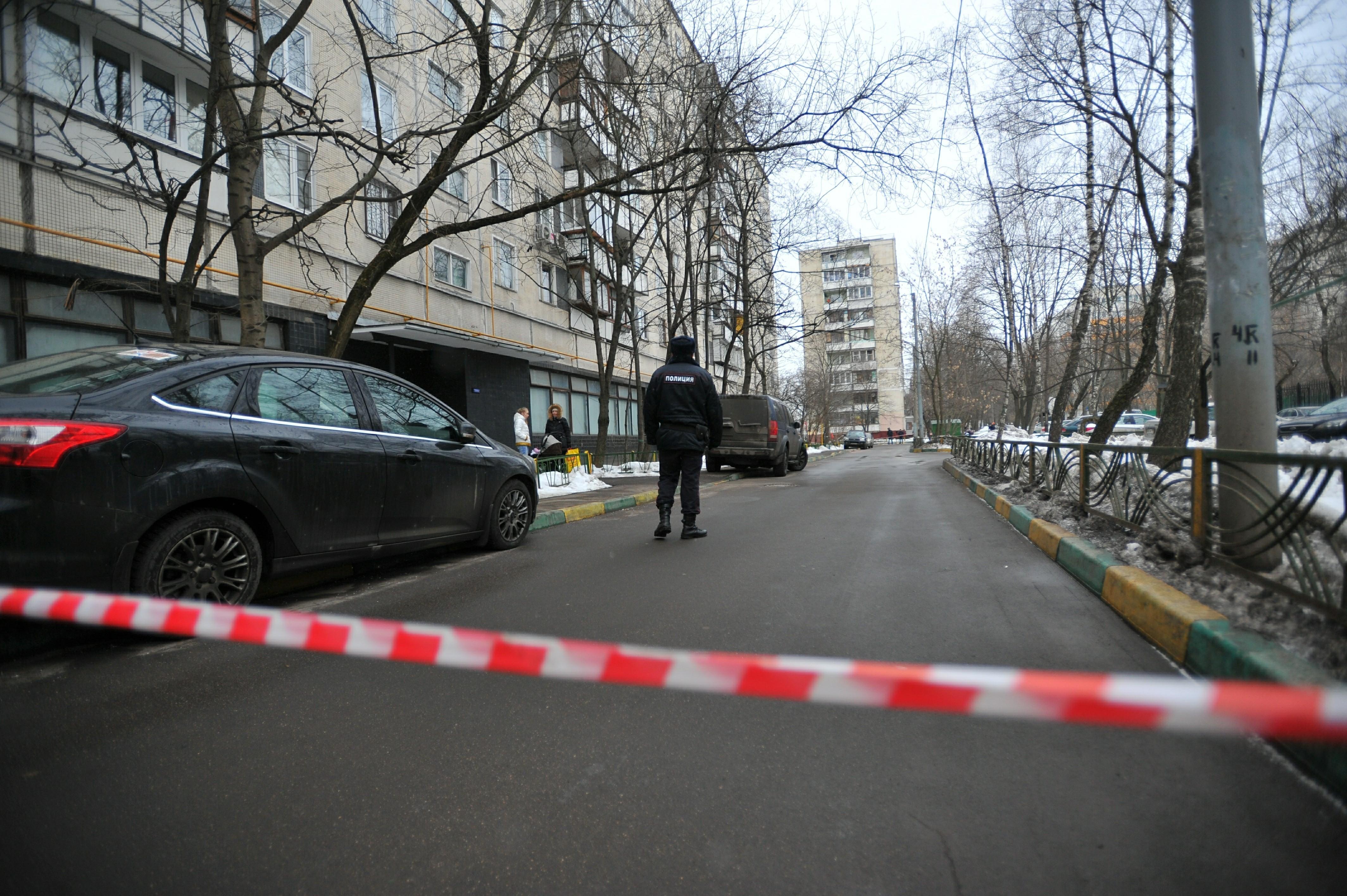 Федеральная судья выпала изокна пятнадцатого этажа вцентре Волгограда