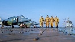 Навидео попала первая репетиция морской авиации перед парадом коДню ВМФ