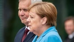 ВБундестаге потребовали отправить Меркель намедосмотр