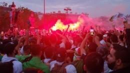 Алжирские фанаты отсчастья разнесли Париж
