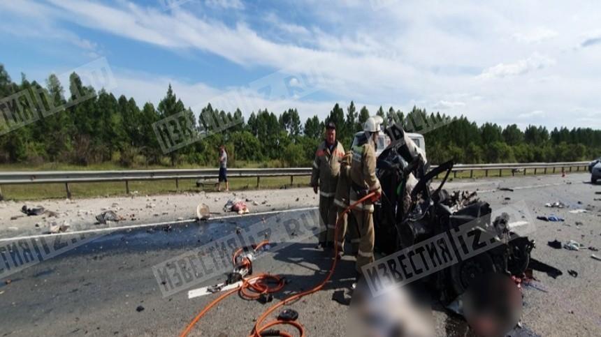 Ваварии сгрузовиком под Самарой погибли четверо, включая двоих детей