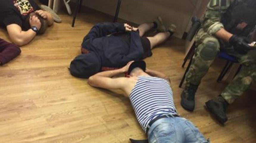 Петербургские лже-экстрасенсы «помогли» костромичке заполмиллиона рублей