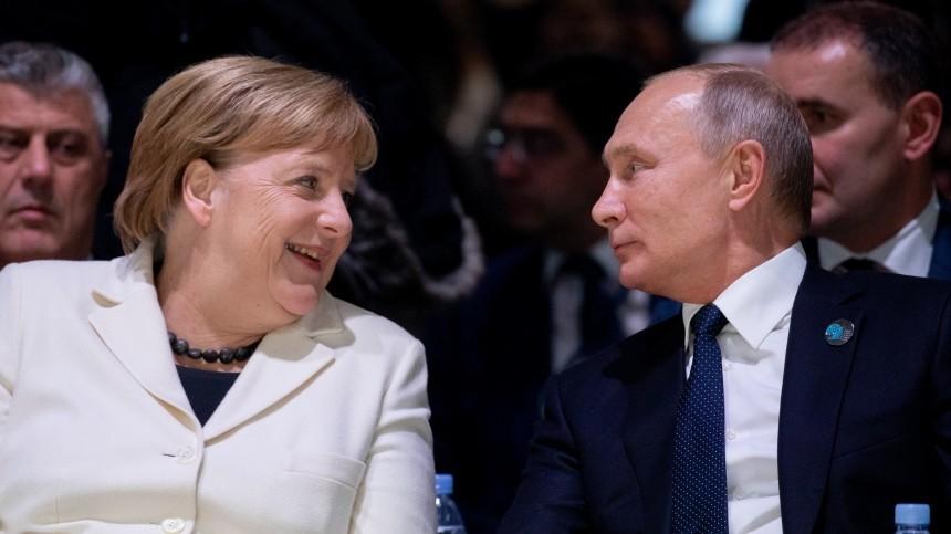 Путин тепло поздравил Меркель сюбилеем