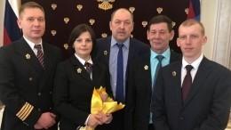 Путин наградил экипаж самолета, совершившего аварийную посадку вУфе в2018 году