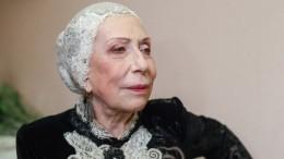 Видео: Супруг исын актрисы Инны Чуриковой приехали вбольницу