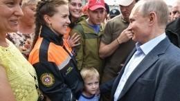 Путин пообещал мальчику изИркутской области радиоуправляемый Mercedes— видео