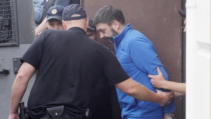 ВГосдуме выступили против освобождения Сенцова вобмен наВышинского