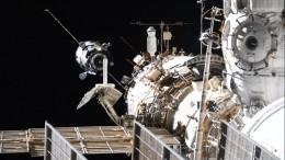 «Потрясающе!» Британец заснял сЗемли навидео стыковку корабля «Союз» сМКС