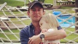 Константин Хабенский впервые показал свою маленькую дочь— фото