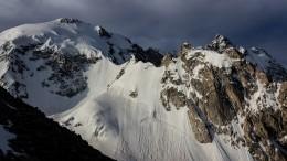 Два альпиниста изПетербурга сорвались сгоры Урал вКабардино-Балкарии