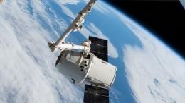 Ракета-носитель Falcon 9 вывела наорбиту Земли корабль Cargo Dragon