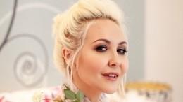 45-летняя Василиса Володина впечатлила подписчиков фигурой вкупальнике