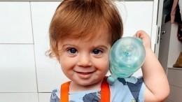 «Мультик!»: пользователи умилились годовалому внуку Юдашкина