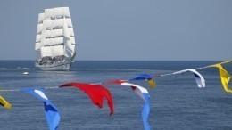 Морские парады послучаю Дня ВМФ прошли воВладивостоке иСевастополе