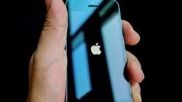 Apple предложила миллион долларов тому, кто взломает iPhone