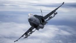Испанский истребитель F-18, преследовавший самолет Шойгу, попал навидео