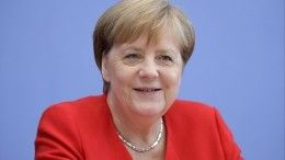 Фото: Меркель вышла всвет внаряде 23-летней давности