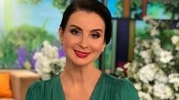Екатерина Стриженова выложила забавное видео споющим внуком