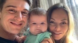 «Копия папы»: Бондаренко растрогал фанатов снимком счетырехмесячной малышкой