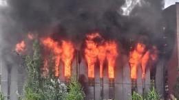 Последам крупного пожара вПетербурге: кто разрешил свечное производство вофисном здании?
