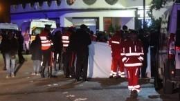 Пять человек стали жертвами давки нарэп-концерте вАлжире— видео