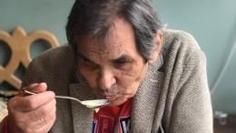 «После реанимации чебуреки?!» Бари Алибасов удивил соцсети снимком изресторана