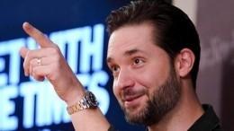 Муж Серены Уильямс пришел наеематч сШараповой вантинаркотической футболке