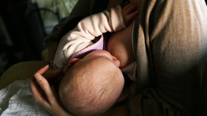 ВИЧ-инфицированную мать, кормившую младенца грудью, непредупредили обопасности— адвокат