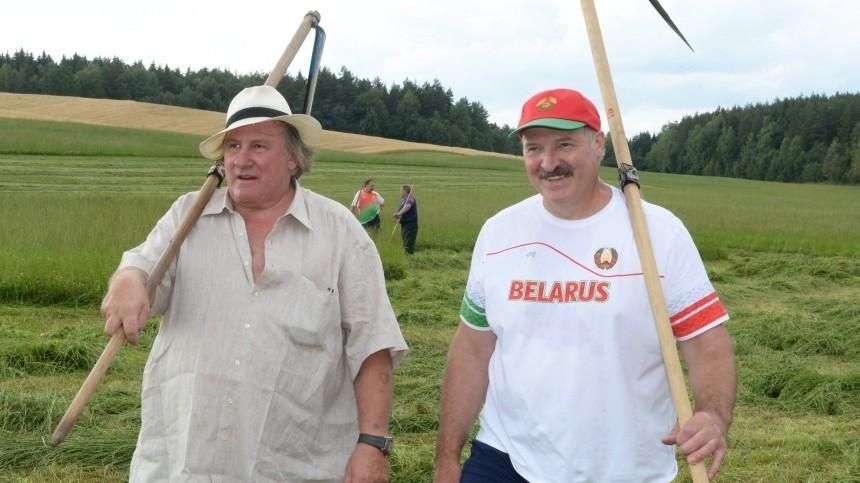 Лукашенко дал возможность Депардье «пожить среди крестьян»