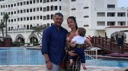 «Памперсы научился менять»— Жена Овечкина рассказала, какой изнего отец