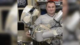 Космонавтам наМКС струдом удалось включить робота «Федора»