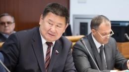 Сенатор отИркутской области Мархаев напал нажурналиста после вопроса оподпольном казино