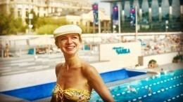 Цымбалюк-Романовская показала архивное фото себя первоклассницы