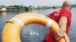 Стерпящего бедствие катера вФинском заливе спасли троих человек
