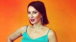Фото: Алика Смехова призналась, что еевозит личный водитель