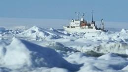 Шведское судно «Мальме» застряло вольдах