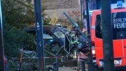 Гонки наPorsсhe: паркетник снес четырех пешеходов натротуаре вцентре Берлина