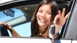 Подростки могут получить право водить машину всопровождении взрослых
