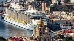 Видео: впорт Владивостока зашел самый большой вистории круизный лайнер