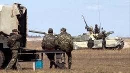НаУкраине при движении военной колонны взорвался прицеп смазутом