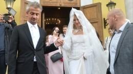 Собчак иБогомолов письменно раскаялись всвоих поступках перед венчанием