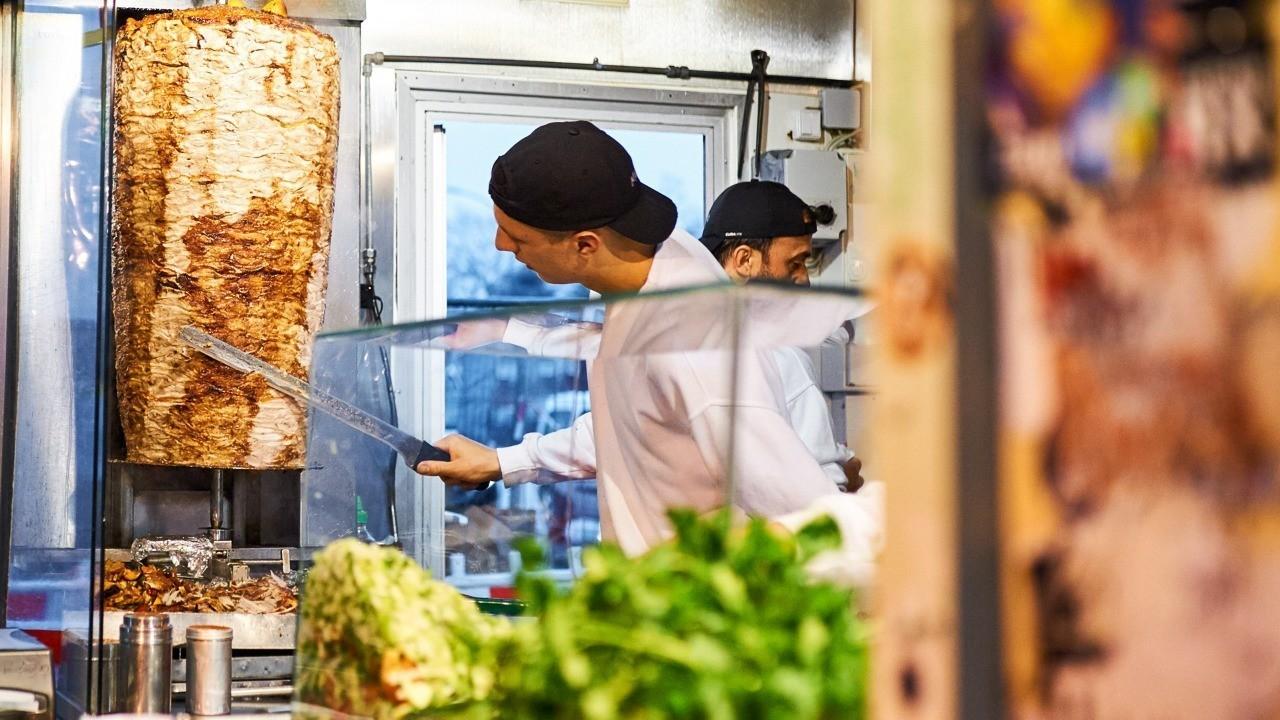 Пища студентов, как «пища богов»: Авторский обзор лучшей шавермы Петербурга
